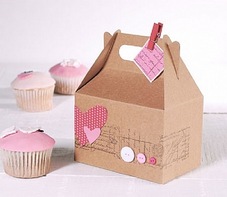 Cupcake boxes to die for! Shop now: http://selfpackaging.es/2215-caja-picnic-77.html #cupcakes #cupcakeboxes #pink