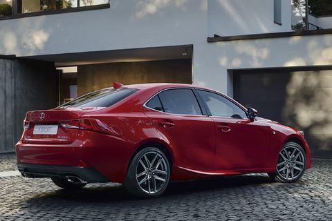 We hebben de internationale variant al gezien, maar nu is ook de Europese Lexus IS op subtiele wijze opgefrist.