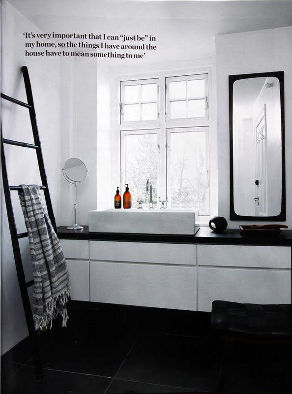 @ Elle Decor sept11, pics Wichmann+Bendtsen, Haune Graumann's flat.