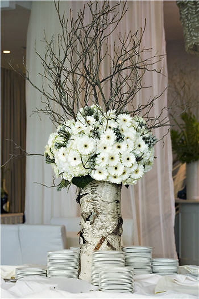 Daisies And Branches In White Birch Fab Centerpiece Liking The Flowers