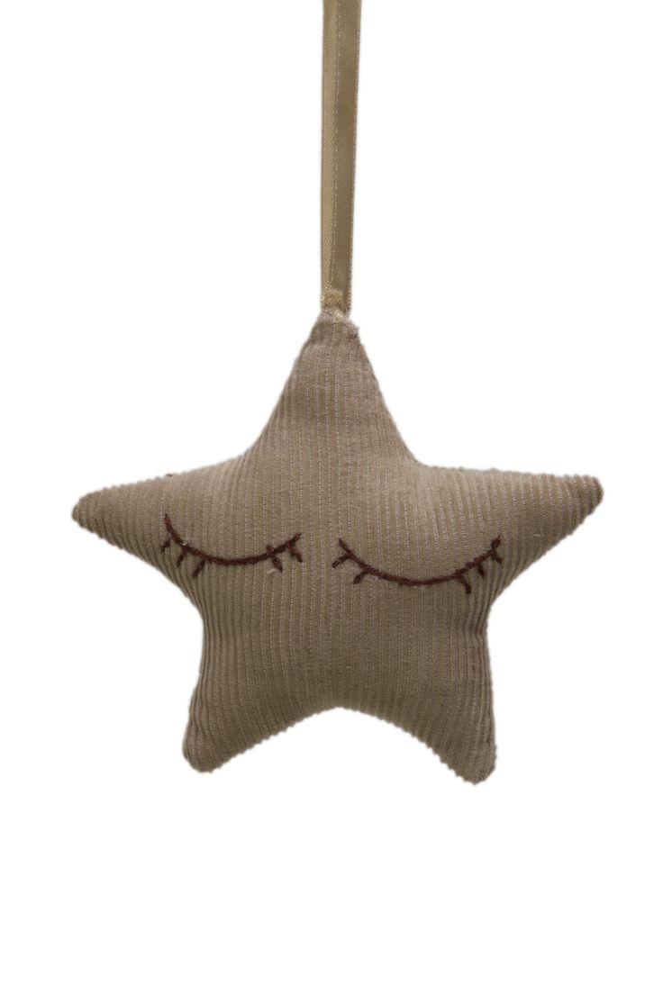 Doorhanger/ kasthanger star @fabsworld  #doorhanger #kasthanger #fabs world #corduroy #decorationideas #babyroom #inspiration #kidsroom #fabsstore  shop: fabsstore.com (shop worldwide)