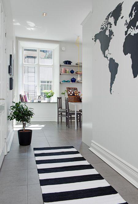 Inspiraci n walk in closet negro estilo n rdico for Disenos de cuartos pequenos