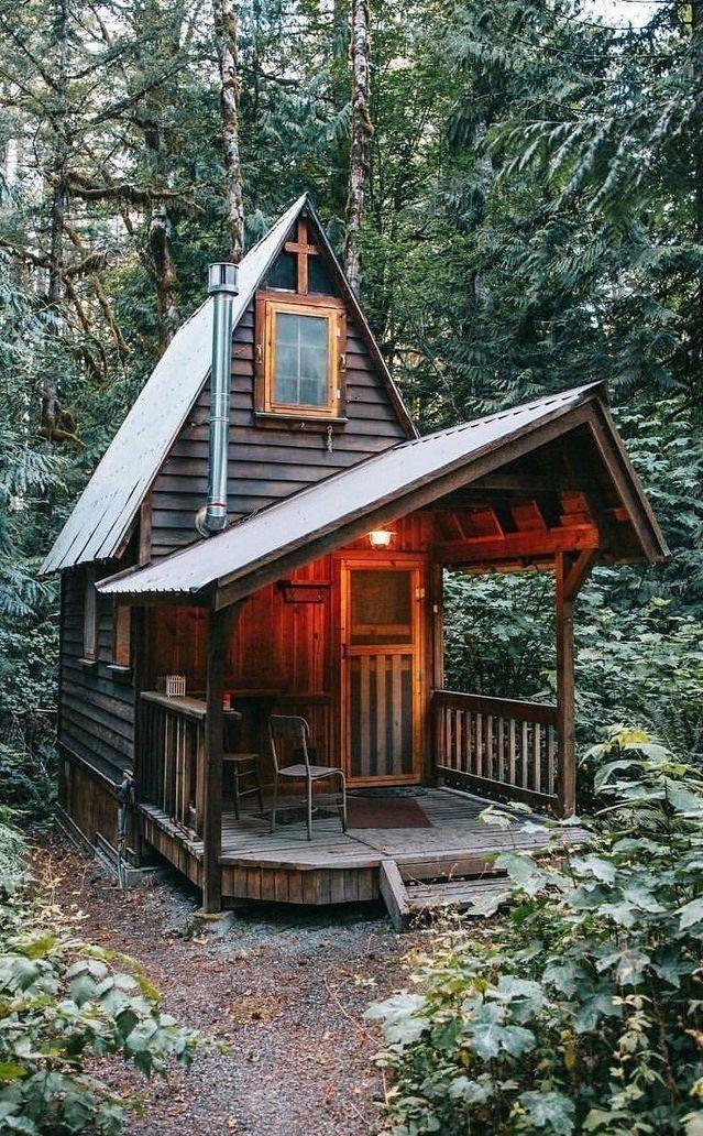 Und noch eine hübsche kleine Hütte im Wald. #Kab…