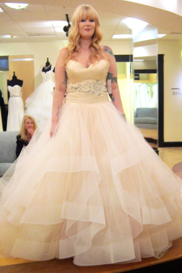 This Photo Gallery Features Black Wedding Dresses And Classic Lace Gowns Featured On Say Yes To The Dress Atlanta