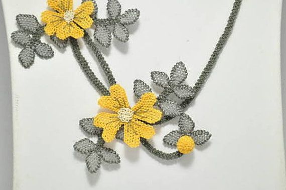 yellow rose bibwhite cream daisy necklace with by needlecrochet, $79.00