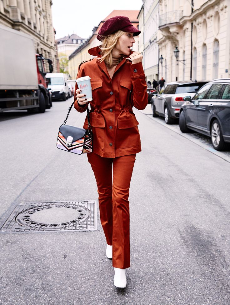 """So much """"yes"""" for this pants suit inspired 60th outfit from / @longchamp for @glamometer 🍁✨