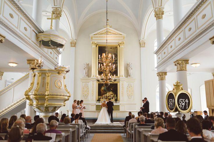 Korsholms kyrka Vasa Finland Julia Lillqvist | Nina and Benjamin | bröllop Korsholms kyrka | http://julialillqvist.com