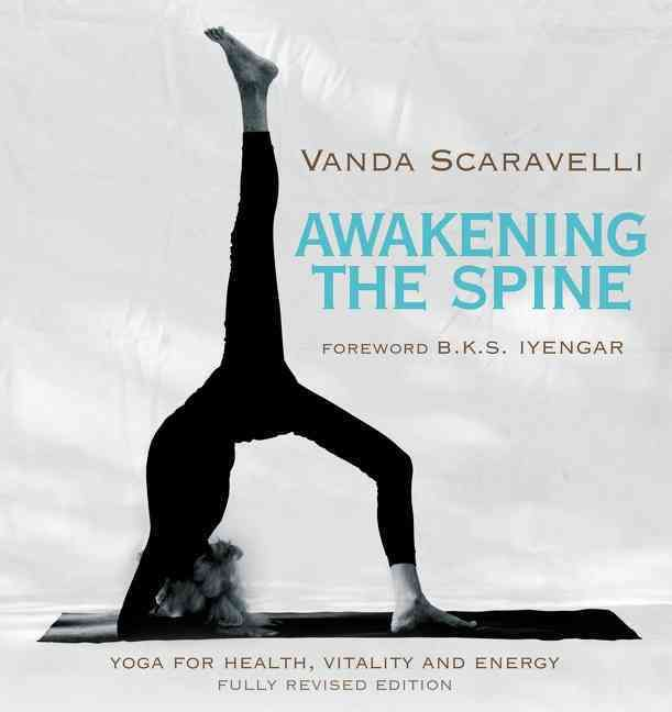 A fully revised and updated edition of the classic yoga book, with a new foreword by B.K.S. Iyengar. For more than twenty-five years, until her death at ninety-one, Vanda Scaravelli helped transform b