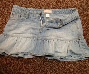 22 Items Every Girl Had In Her Closet In The Early 2000′s. HHAHA! I had most of these in my pre teen days.... However I stuck to regular jeans thank god.