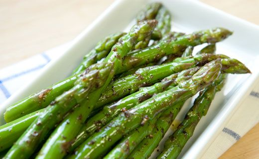Epicure's Steamed Asparagus with Balsamic Vinegar and Pesto Herbs