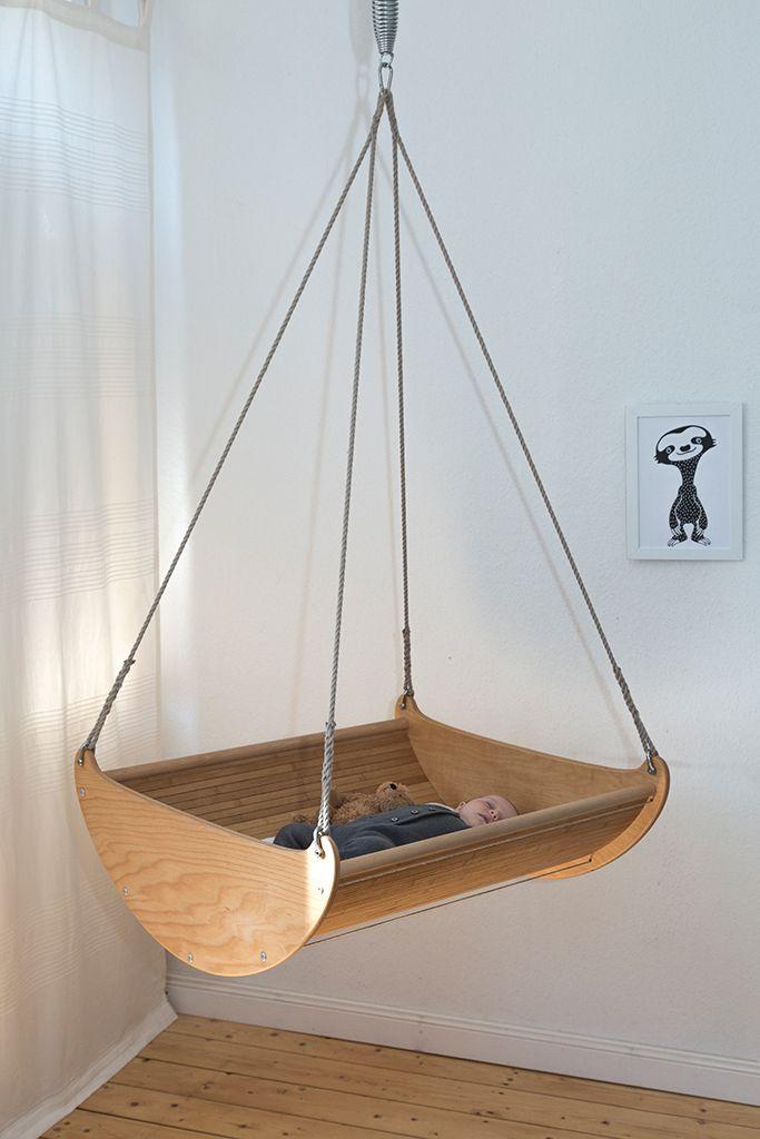 die besten 25 wiege ideen auf pinterest stubenwagen baby wiege bett und moderne kinderwagen. Black Bedroom Furniture Sets. Home Design Ideas