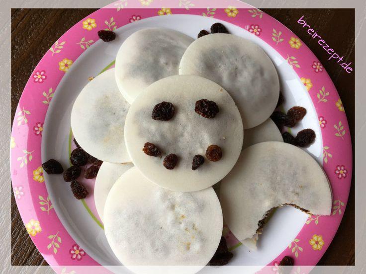Mit diesem Obstriegel Rezept könnt ihr leckere Fruchtschnitten für euer Baby und Kleinkind selber machen, die auch Erwachsenen gut schmecken.