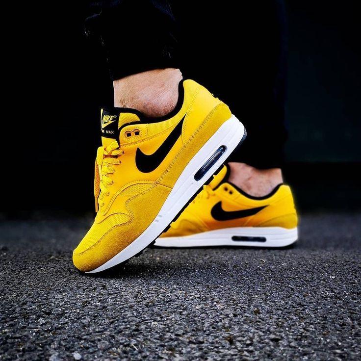 NIKE AIRMAX SNEAKERS | Nike air max, Mode homme grand, Chaussure ...