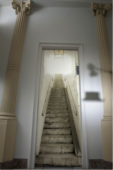 25 best ideas about trompe l oeil porte on pinterest for Photo escalier peint blanc gris