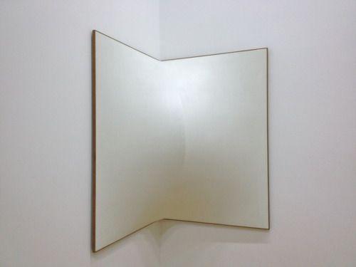 Enrico Castellani Superficie Angolare@Centre Pompidou