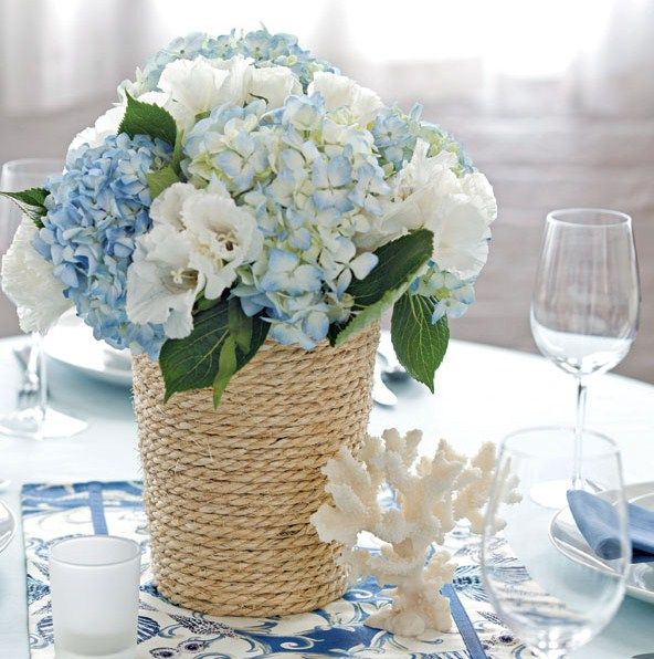 Small flower vases interesting for centerpieces decoration