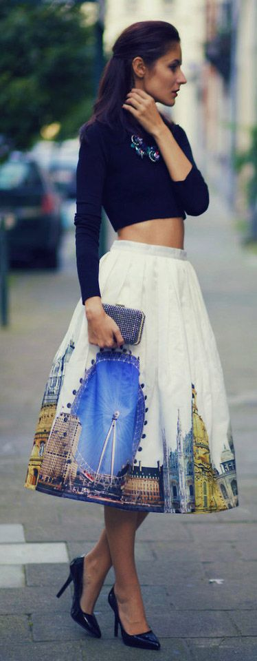 London Love - What a beautiful London skirt. Check out our adventures in London at blisslifestylecollection.com