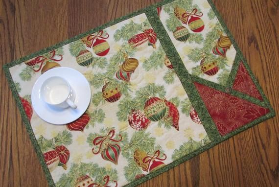 Christmas Ornament Quilted Placemats With Napkin Silverware Etsy Christmas Placemats Placemats Place Mats Quilted