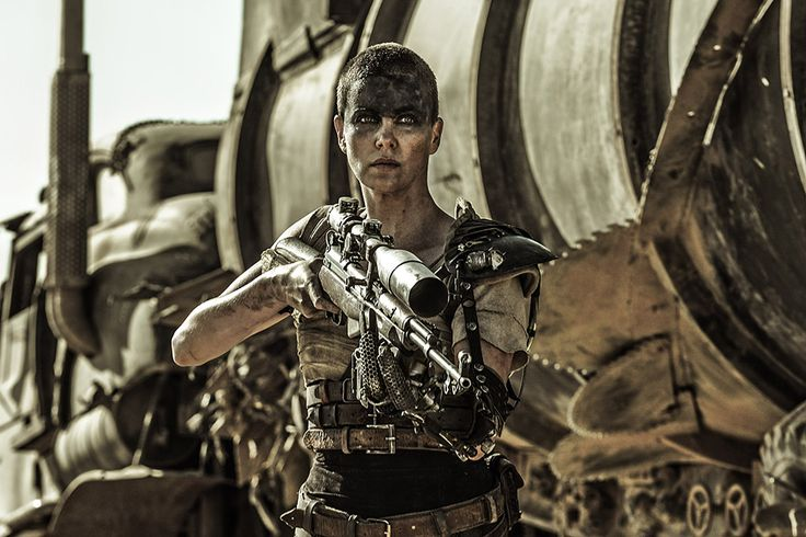 "Charlize Theron Would ""Love"" to Make a 'Mad Max' Furiosa Prequel"