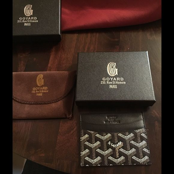 Goyard card holder/ wallet New Goyard card holder / wallet, hand painted like original, excellent quality, comes with box and dust cloth..... Accessories Key & Card Holders