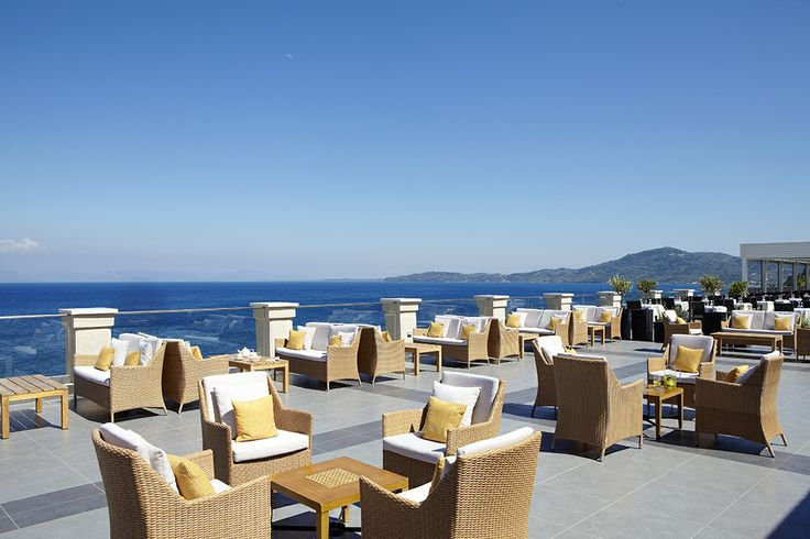 Enjoy your drink or meal just by the sea of Marbella Beach Hotel !