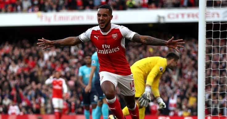 "Theo Walcott insists Arsenal are better prepared for ""mad"" Premier League title race"