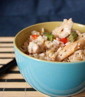 Китайский жареный рис с курицей