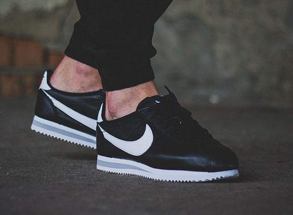 Nike Cortez Grise Et Blanche