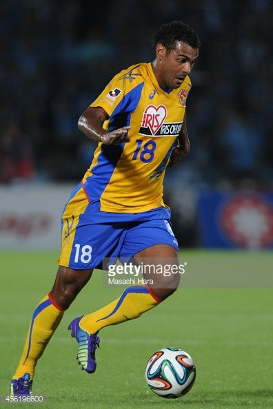 456196600-wilson-of-vegalta-sendai-in-action-during-gettyimages.jpg (396×594)