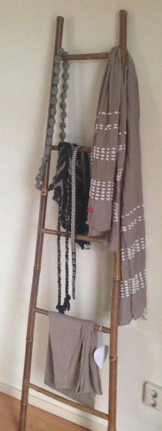 Badkameraccessoires Geel ~   over Bamboe Ladders op Pinterest  Bamboe, Ladders en Bamboe Ambachten