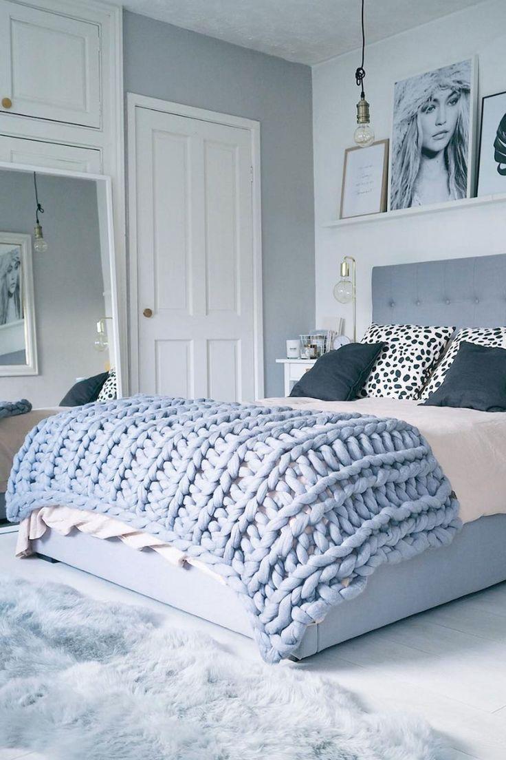 Cozy, Oversized Knit Blanket