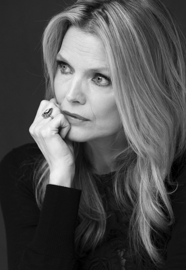 michelle pfeiffer 56 this month (April 2014) and looking gorgeous: I love this lady