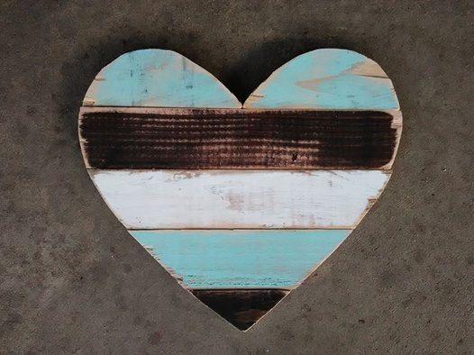 Pallet kunst aan de muur hart hart decor door SplintersandSawdust1