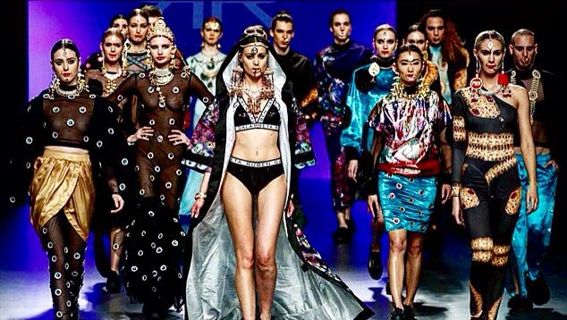 Fashion Designer In Spanish