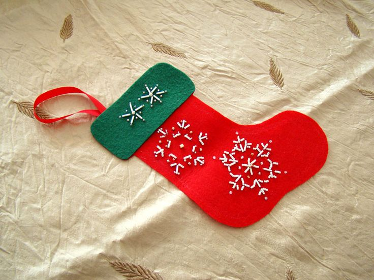 felt stocking ornament with beaded snowflakes patterns and tutorial