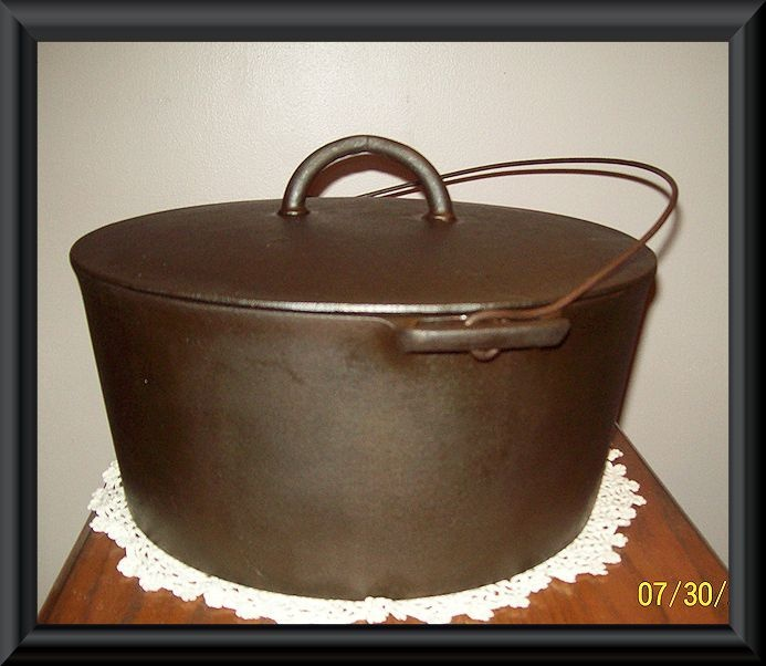 Wagner Cast Iron Dutch Oven #11;c. 1895