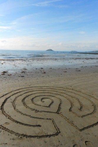 *Creating* Labyrinths of Sand :: A Walking Meditation