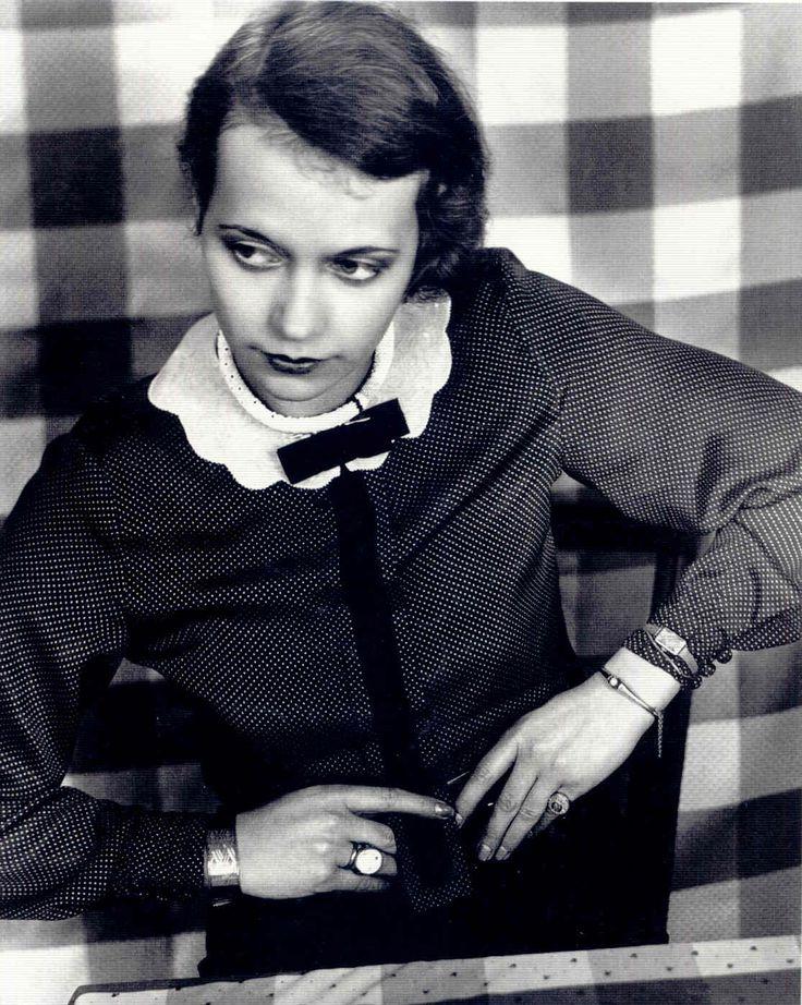 Annelise Kretschmer - Modisches Portrait, um 1929, Museum Folkwang, Essen