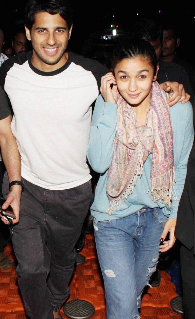 Sidharth Malhotra and Alia Bhatt take a ferry ride to promote #KapoorAndSons. #Bollywood #Fashion #Style #Beauty #Sexy #Cute