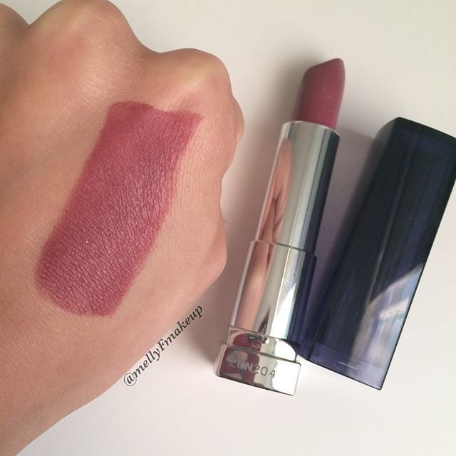 Maybelline The Loaded Bolds lipstick in Mauve It. Follow my instagram @mellyfmakeup for more!