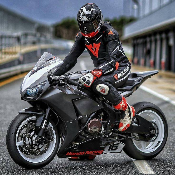 Honda Motor Company, #Motorcycle #HondaCBR1000RR #SuperbikeRacing Honda CBR series, FIM Superbike World Championship, #HondaCBR250RR Wheel - Follow #extremegentleman for more pics like this!