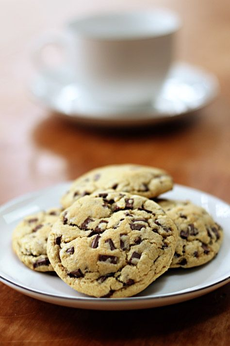 Yummy! Chocolate chip cookies! I think it's baking season again!