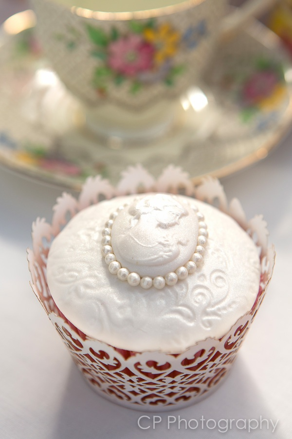 Vintage lace cupcake - so sweet!