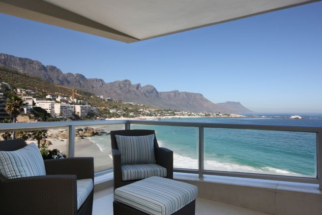 Clifton Views - Clifton Views is a lovely, calming and newly furnished two-bedroom apartment with magnificent panoramic views sweeping from the ocean to the 12 Apostles Mountain Range.  Inside you are welcomed by a spacious, ... #weekendgetaways #clifton #southafrica