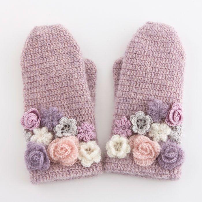 ao with <3 / crochet flower mittens