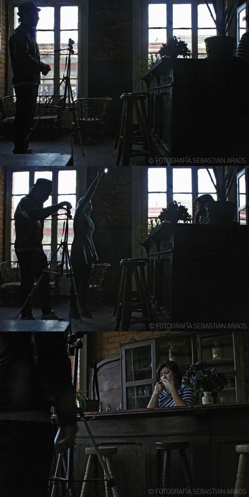 Secuencia en sesión fotográfica para el proyecto Cuentos de Hadas. Me ayudo a iluminar mi querida amiga Zaida González. Esto fue en el contexto de una residencia artística en Valparaíso, bajo la dirección del artista venezolano Nelson Garrido (Genial). Fotos de Seba Araos año 2010 (gracias Seba!).