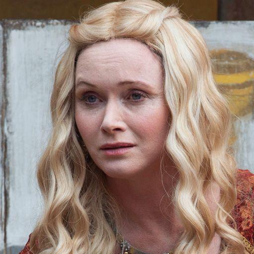 Lady Crane  played by Essie Davis