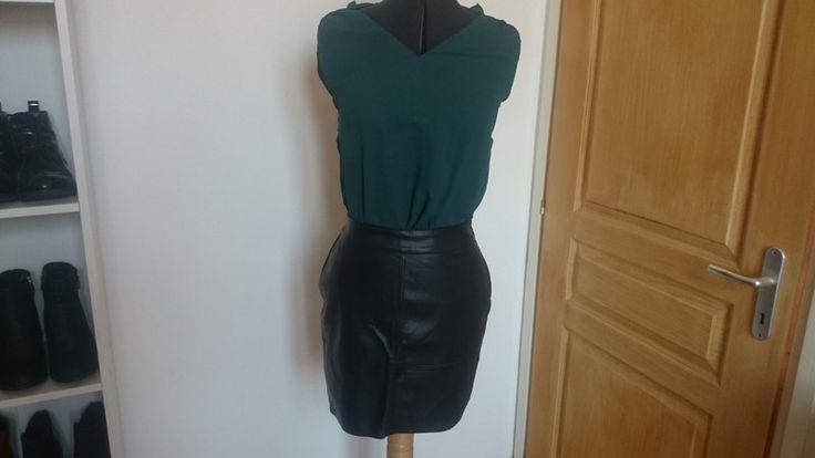 Mini jupe en simili cuir noir - vinted.fr