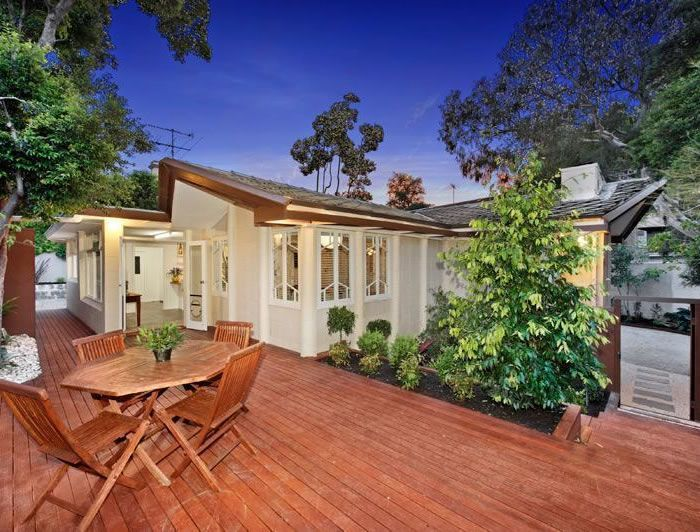 The Salter House by Walter Burley Griffin is on the market. That's rare... — Glamour Drops
