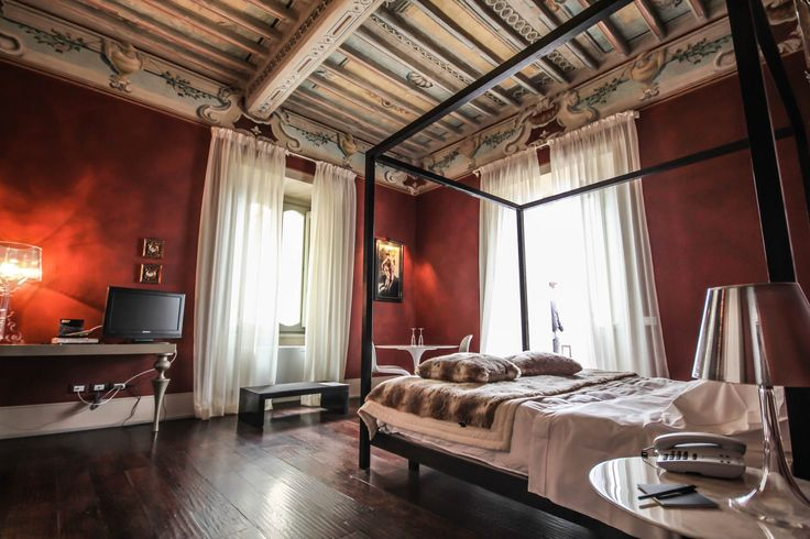 Palazzo Bontadosi, d'Arte e d'Amore! su http://www.enricolanari.com